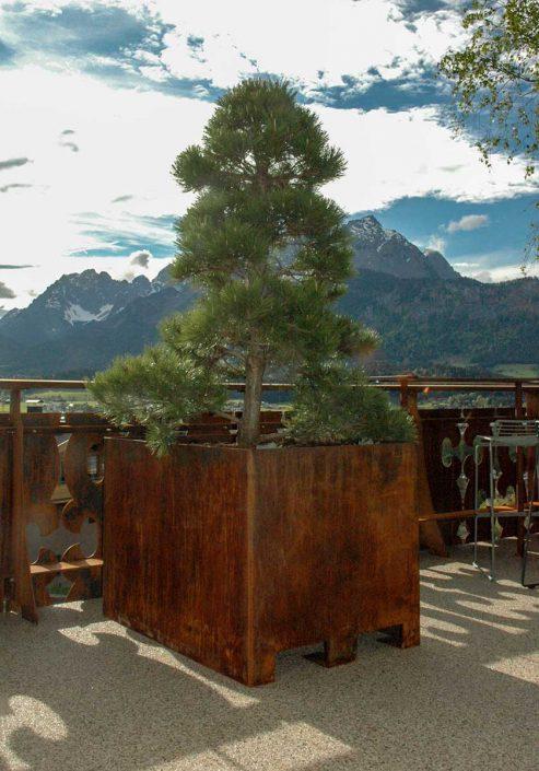 Valenta Metall: Hotel Gasthof Zur schönen Aussicht, St. Johann in Tirol