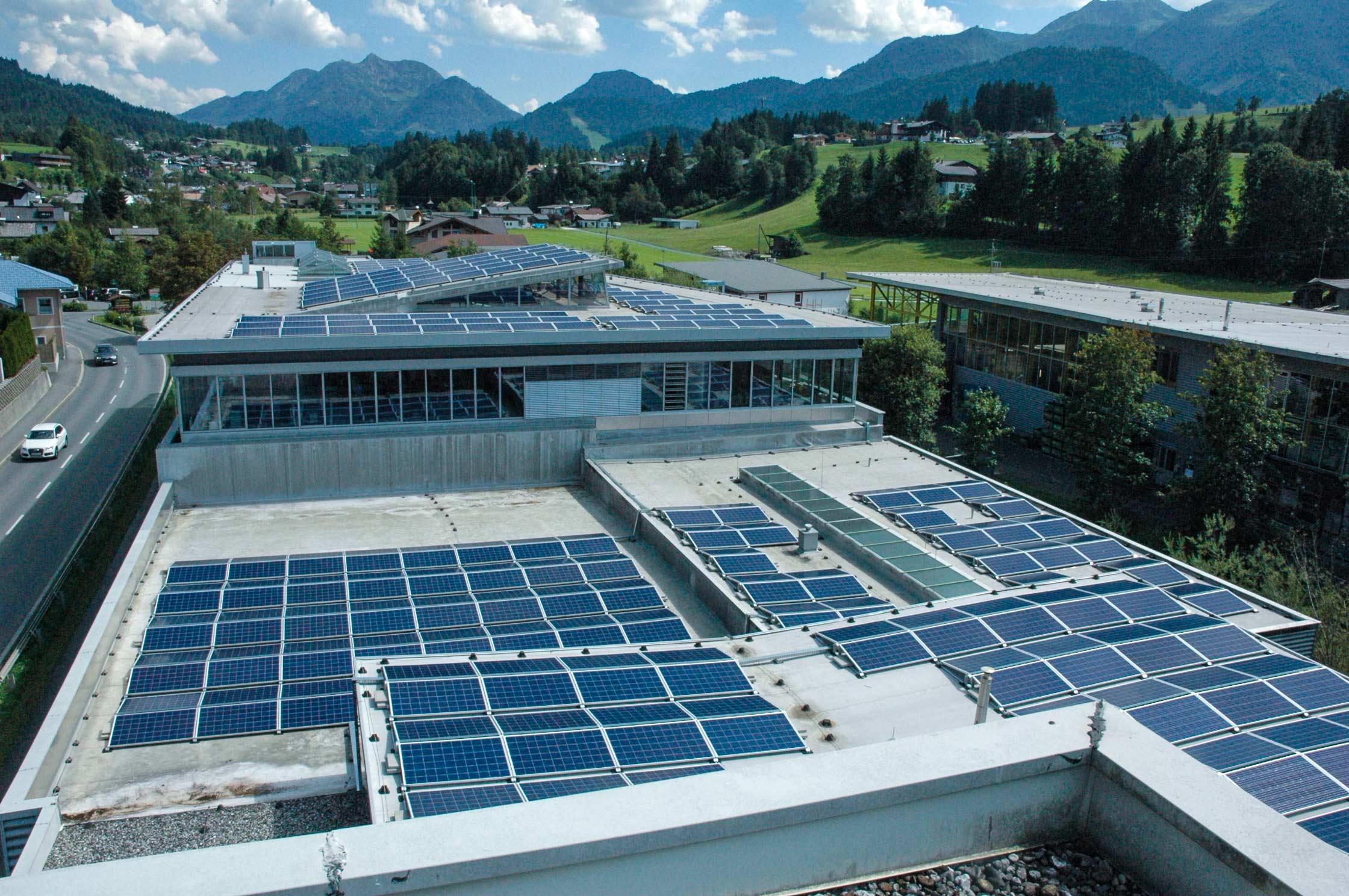 Valenta Metall GmbH -  Neue 850 qm, 135.000 kWh starke Photovoltaikanlage