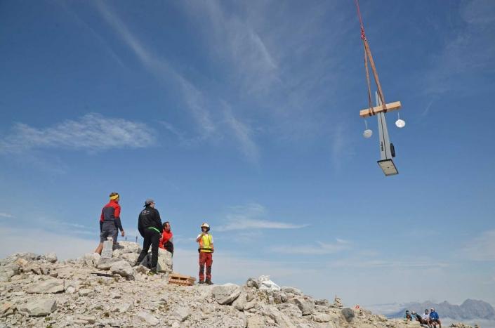 Valenta Metall - Gipfelkreuz am Mitterhorn 2